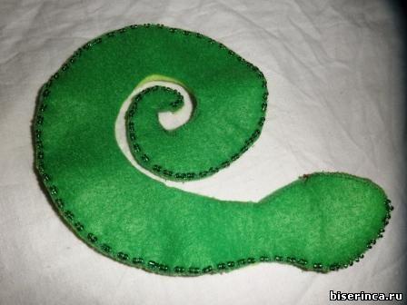 змея с бисером